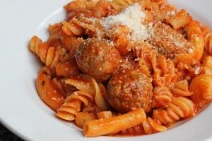 meatballs-with-pasta-mista